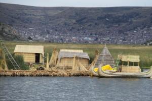 Floating Homes on Lake Titicaca (PERU) - 09